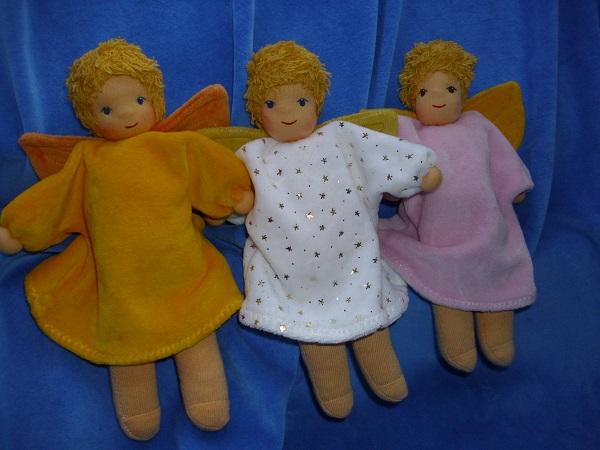 Kleine Engelchen in gelb, rosa und weiß mit Sternchen